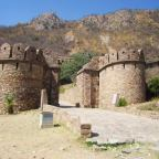 """Bhangarh Fort – A lost beauty behind the """"haunted"""" ruins"""